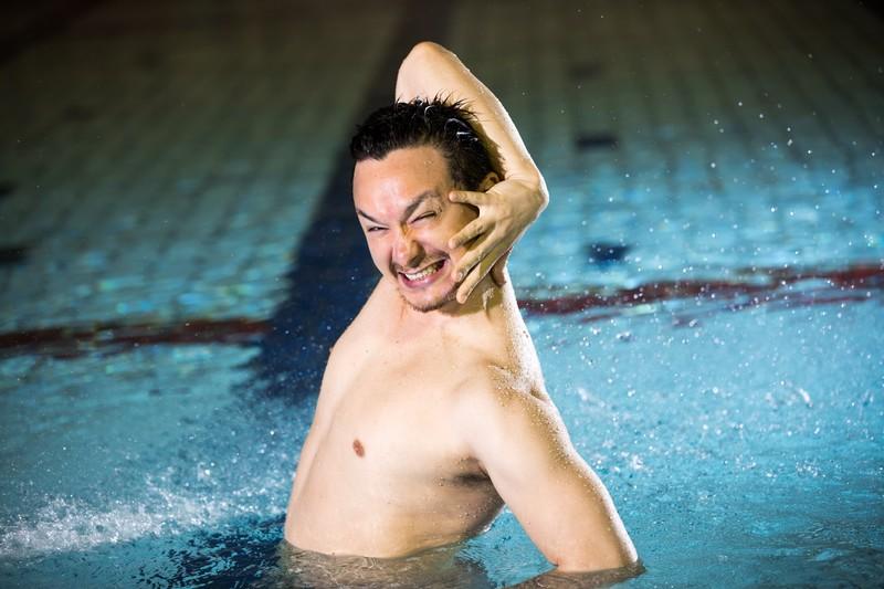 奥田英朗『イン・ザ・プール』プールで泳ぎたいときに読む小説