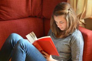 小説のテーマを見つける方法